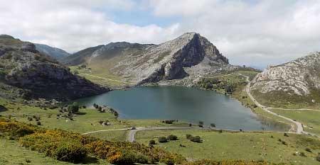 Los Lagos De Covadonga Enol Ercina Y Bricial